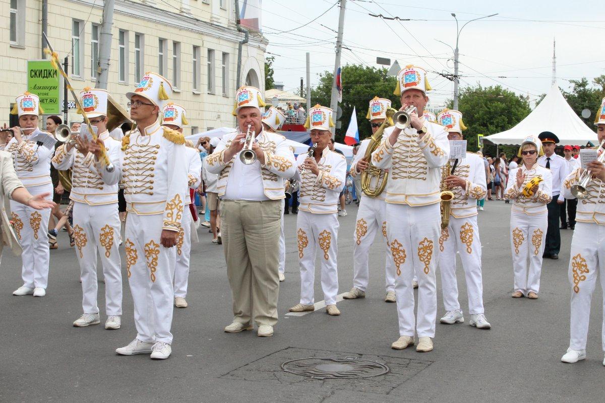 Фестивали духовых оркестров и Дружбы народов прошли в Нижнем Новгороде в День России - фото 4