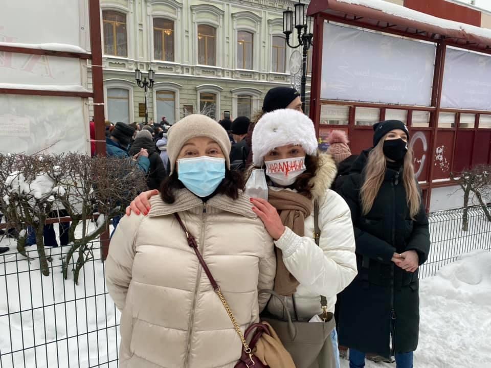Дочь Немцова вышла на нижегородский митинг в поддержку Навального - фото 1