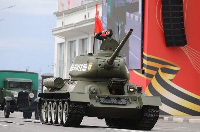 Более 90 единиц техники приняли участие в нижегородском параде Победы - фото 1