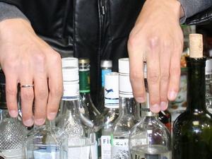Более 1700 бутылок алкоголя изъяли в выксунском кафе