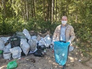 Нижегородские депутаты своими руками убирали свалку мусора в Городецком районе