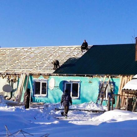 Активисты ОНФ помогают восстановить дом погорельцев в Краснобаковском районе - фото 2