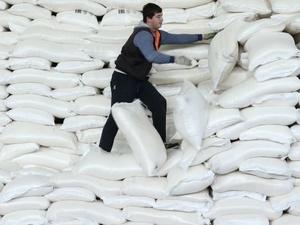 Слесаря сергачского завода завалило мешками с сахаром