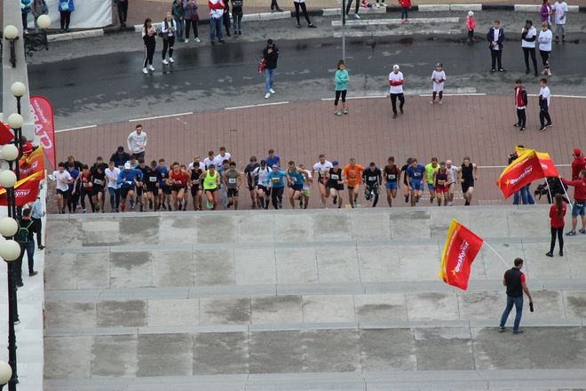 Нижегородец Николай Бурда в 16-й раз выиграл забег по Чкаловской лестнице - фото 22