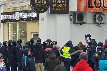 Первые задержания начались на митинге в Нижнем Новгороде