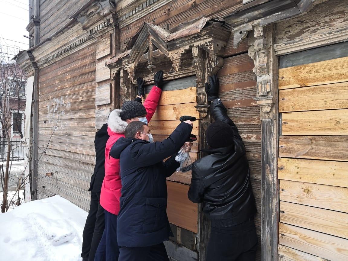 Украденный наличник вернули на старинное здание в Нижнем Новгороде - фото 1