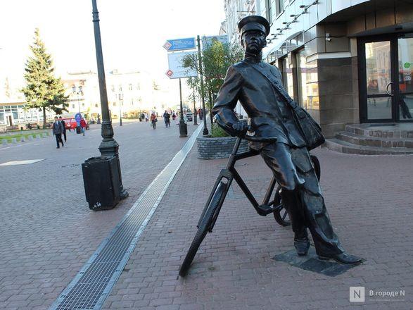 Труд в бронзе и чугуне: представителей каких профессий увековечили в Нижнем Новгороде - фото 4