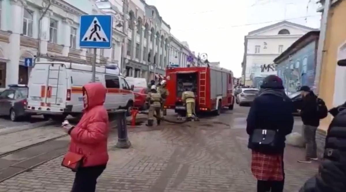 Здание на улице Рождественской проверяют на наличие взрывного устройства - фото 1