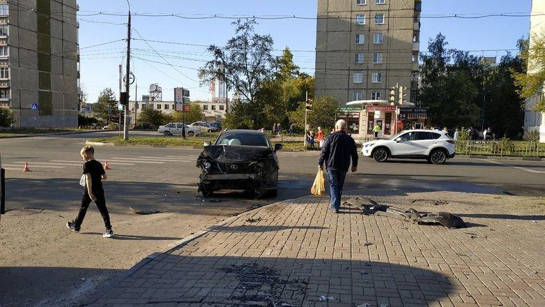 Первоклассник попал в больницу в День знаний после ДТП в Сормове  - фото 4
