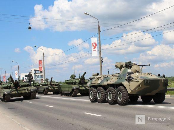 Танкисты в масках: первая репетиция парада Победы прошла в Нижнем Новгороде - фото 55