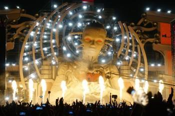 На фестиваль Alfa future people запретят проносить селфи-палки, воду и стеклотару