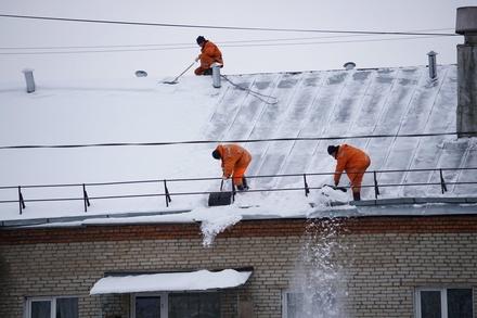 Промышленных альпинистов привлекут к очистке крыш Нижнего Новгорода