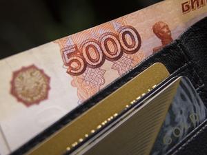 Сормовчанин украл у посетителя кафе банковскую карту с 74 тысячами рублей