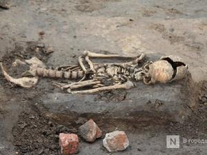 Почти 900 погребений обнаружили археологи в Нижегородском кремле