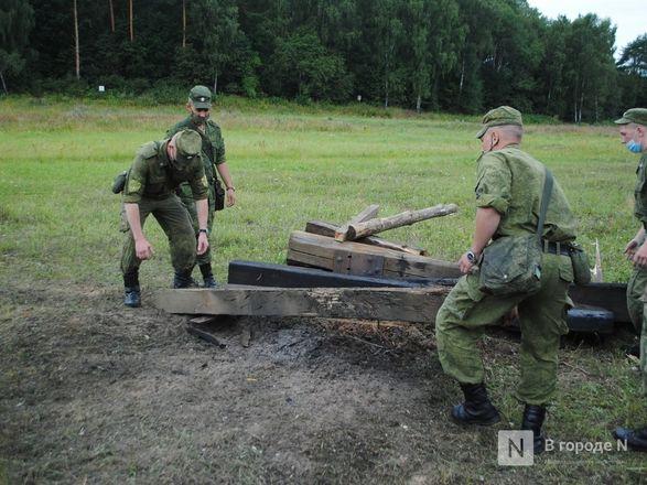 «Оценка огнеметчикам — «пять». Как нижегородские росгвардейцы учатся стрелять из «Шмеля» - фото 14